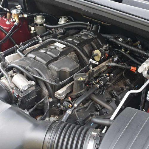 Jeep Grand Cherokee 5.7 HEMI na LPG - motor a vstřikovače LPG-detail
