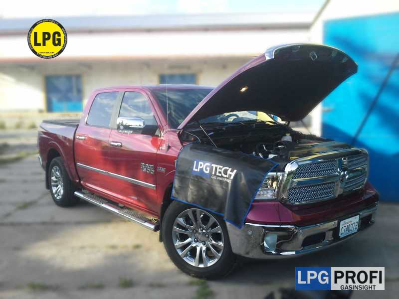 Dodge RAM 1500 5.7 HEMI osmiválec přestavba na LPG
