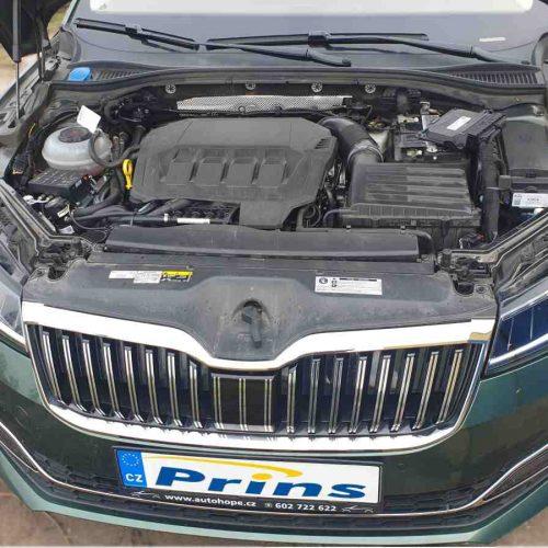 Škoda Superb 2.0 TSI 4x4 L&K 200kw na LPG - pohled do motorového proestoru