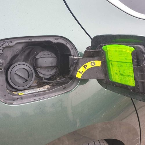 Škoda Superb 2.0 TSI 4x4 L&K 200kw na LPG - koncovka plnění LPG